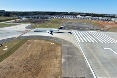 View of the Taxiway and Runway 9L Pavement Replacement Project at the Hartsfield-Jackson Atlanta International Airport (Envision Silver, 2019)
